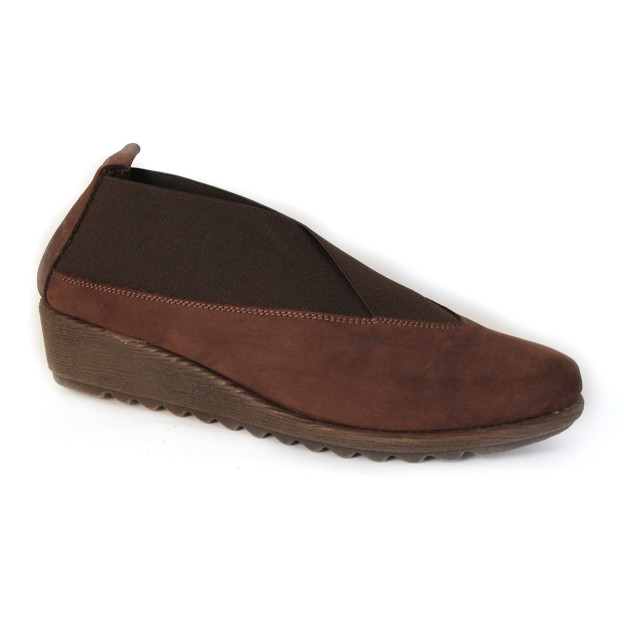 Stretch Run Brown Suede by The Flexx Shoes